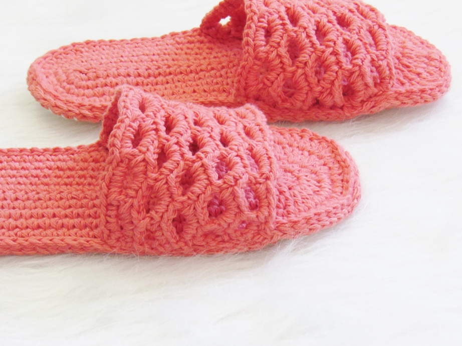 Crochet Dreamz: Crochet Women's Slipper Pattern for Spring