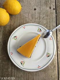 tarta-de-limón-con-base-de-bizcocho-de-chocolate