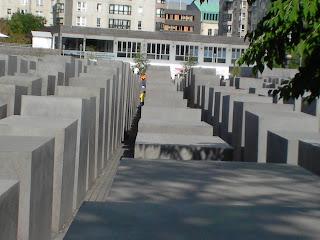 monumento a los judios asesinados en la segunda guerra mundial