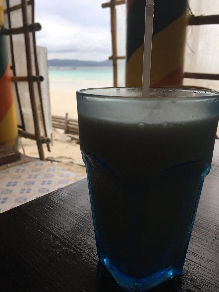 Fruit shake at Jonah's Restaurant in Boracay