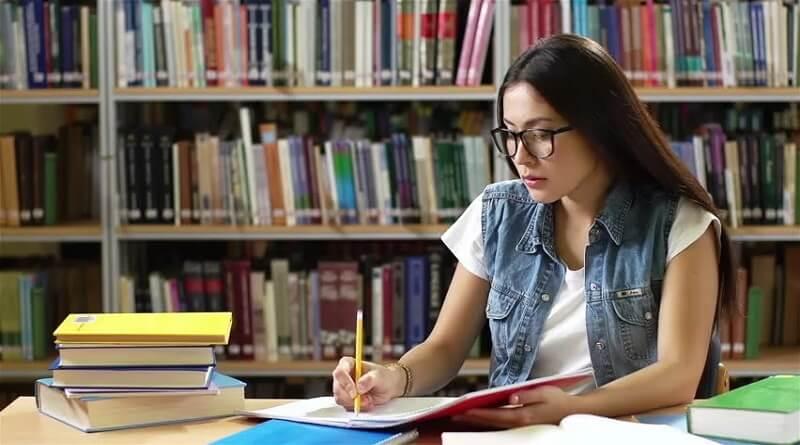 Cerdas Membaca, Kreatif Menulis