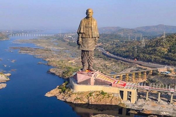 सरदार वल्लभ भाई पटेल यांचे स्मारक भारत सरकारला आर्थिकदृष्ट्या फायद्याचे की तोट्याचे आहे?
