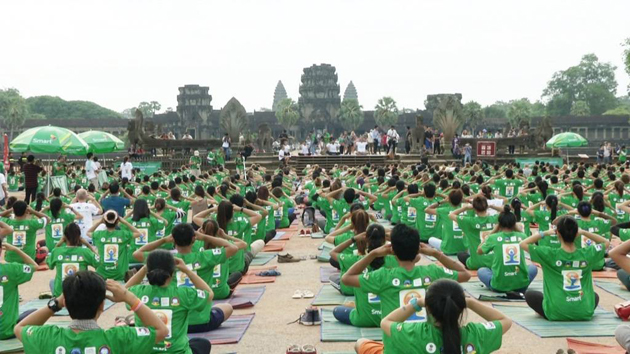 Journée Internationale de Yoga à Angkor en 2015. Photo AKP