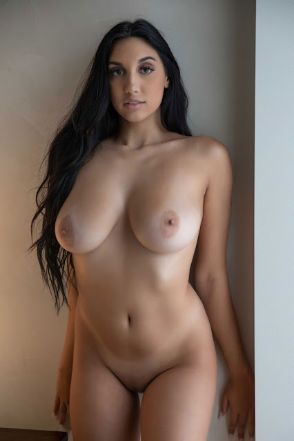 nude girl nice body with big boobs