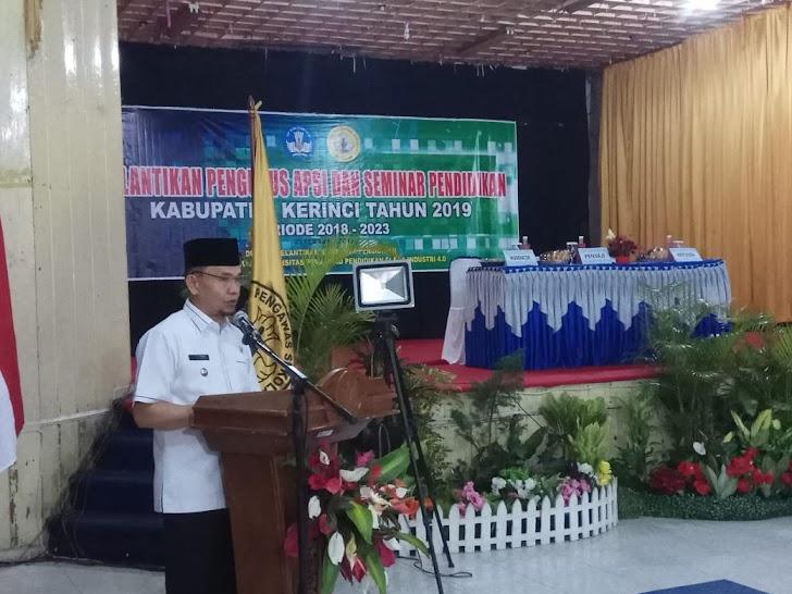 Bupati Adirozal Hadiri Pelantikan Pengurus APSI Kerinci
