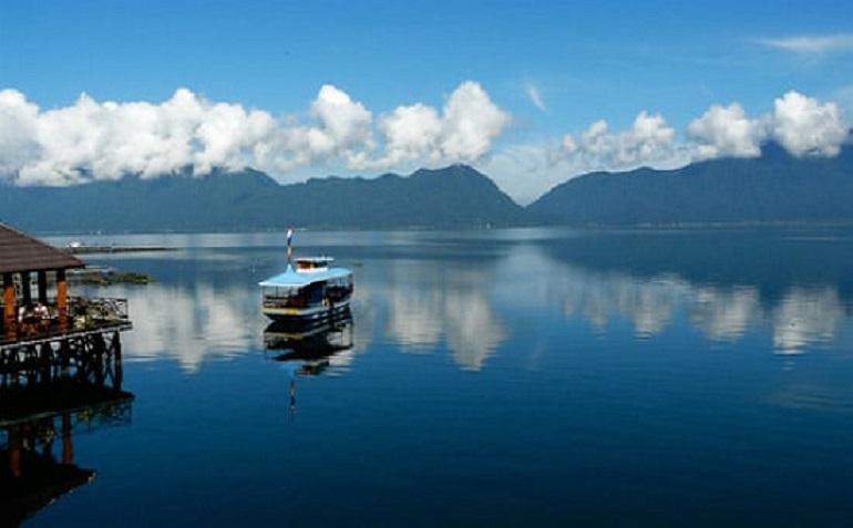 Danau Singkarak, Objek Wisata Danau yang Wajib Kamu Kunjungi