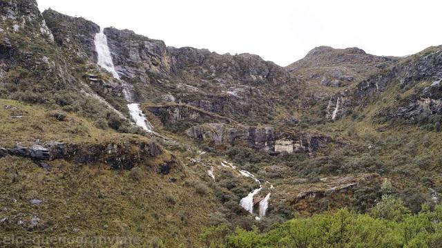 Cascadas, parque nacional huascaran, yungay, laguna 69, montañismo