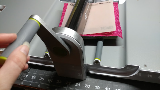 Using the Accuquilt Go! cutting machine