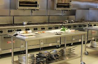 Kitchen Set Multiplek VS alumunium, bagus mana? (pertanyaan seputar furniture)