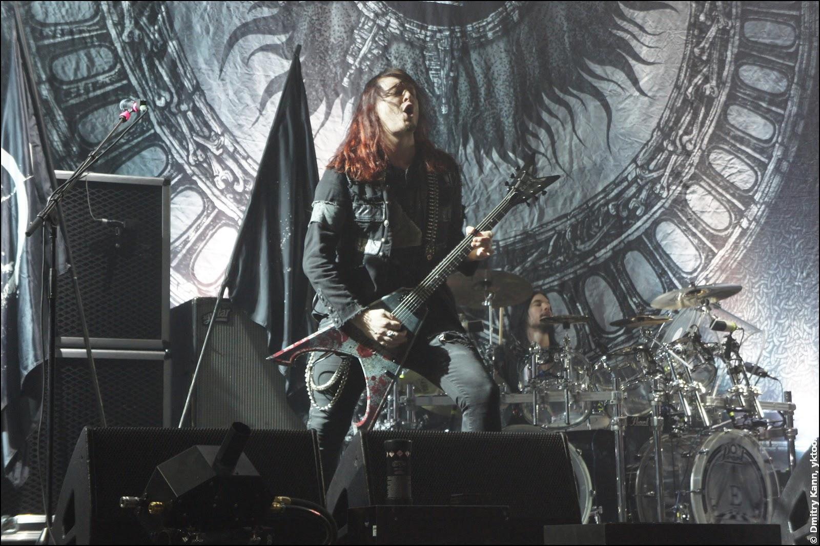 Arch Enemy: Michael Amott, в глубине затаился ударник Daniel Erlandsson.