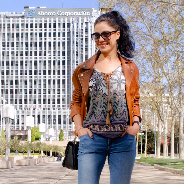 Outfit Boho hippie chic lace up top