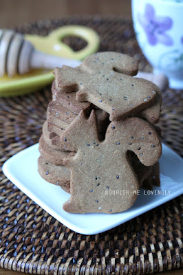 ginger-chia-squirrel_biscuits