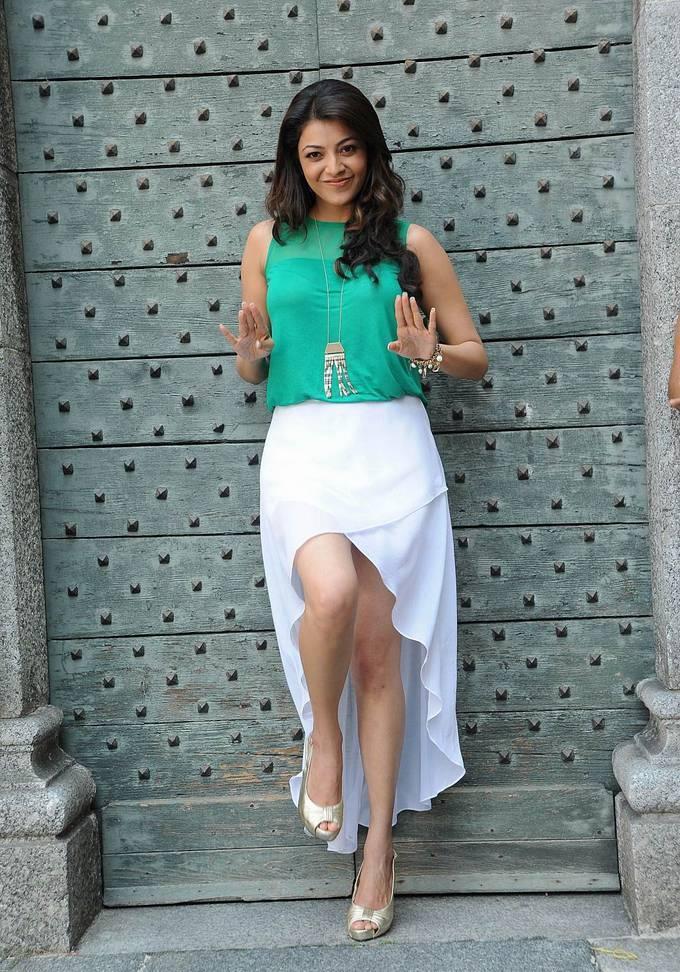 Kajal Aggarwal Showing Slim Hot Legs In The Skirt Baobua Bolly Baobua Com