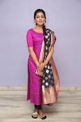 Madhu Shalini laest glam pics-thumbnail-4