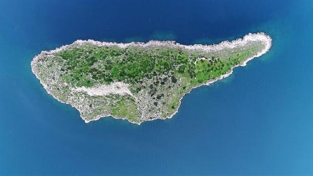 Η Κύπρος έχει δίδυμο... αδελφάκι και βρίσκεται στην Ελλάδα (βίντεο drone)