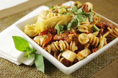 The Kitchen is My Playground: Sun Dried Tomato, Artichoke, & Fresh Basil Pasta Salad
