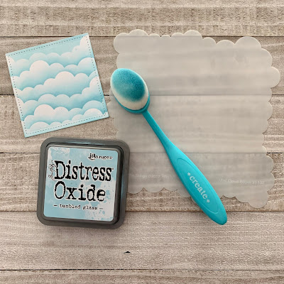 Using Distress Oxide Ink And Stencil To Make Clouds