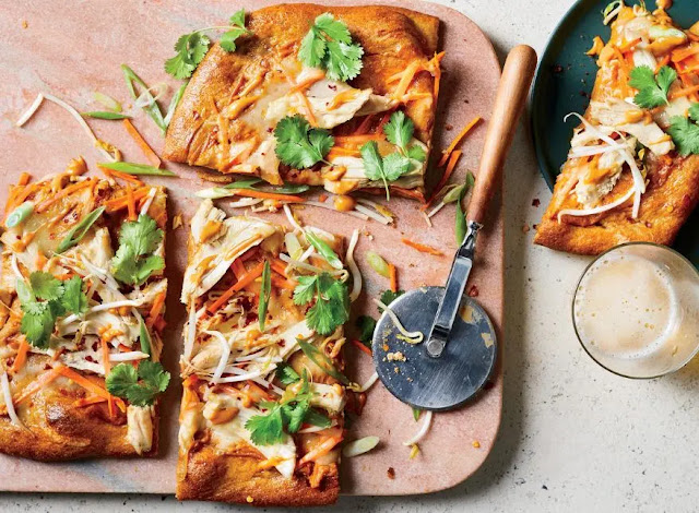 How to cook Thai chicken pizza with peanut sauce?