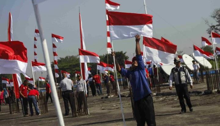 Mahasiswa Dilarang Kibarkan Bendera Merah Putih, Faktanya...