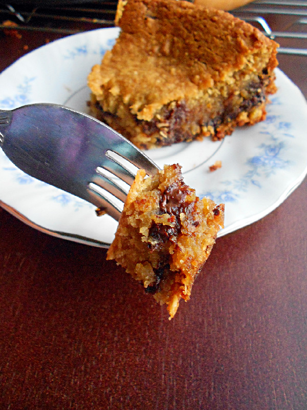 Deep Dish Chocolate Chip Cookie Pie - Confessions of a ...