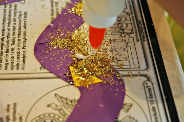 adding glitter to pattern snakes