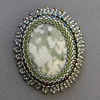 купить брошь с бисером яшмой натуоальными камнями украина