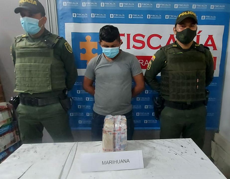 hoyennoticia.com, Iba a jibarear dos kilos de marihuana en Maicao
