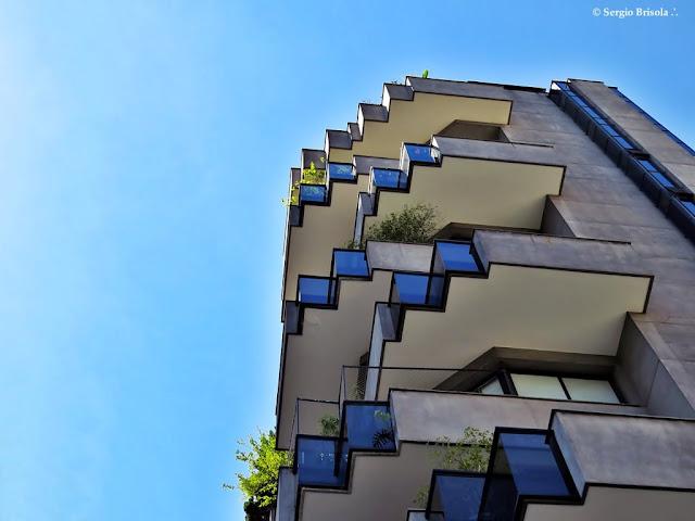Close-up das belas sacadas do Edifício Columbia - Itaim Bibi - São Paulo