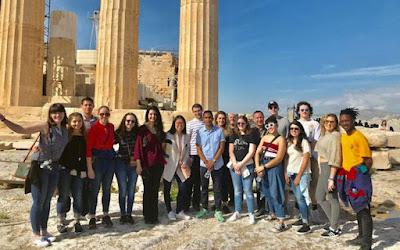 «Έρχονται στην Ελλάδα και γίνονται φιλέλληνες»