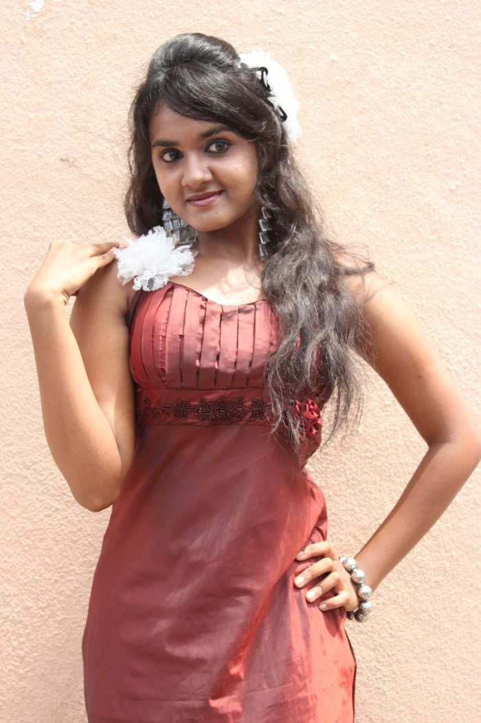 Tamil Actress Sahana Hot Stills