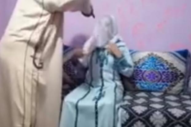 فيديو جديد يفضح الرقاة ومغاربة يطالبون بإغلاق مراكز الرقية الشرعية