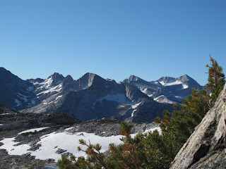 Am Stanton Pass mit Blick auf Sky Pilot Col (links) und Mount Conness (rechts)