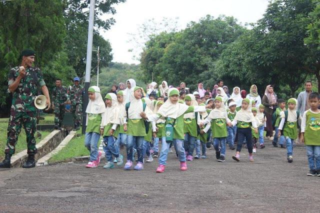 Kunjungan Edukasi Siswa RA Ilham IV Maja ke Yonif Raider 321 Kostrad Majalengka