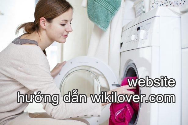Không nên dùng máy giặt mà phải giặt tay trong lần đầu tiên đã