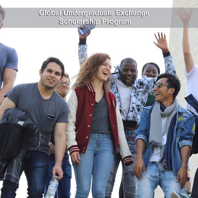 هل أنت طالب مصري في المرحلة الجامعية ولديك مهارات قوية في اللغة الإنجليزية؟ تعرف علي كيفية السفر لأمريكا