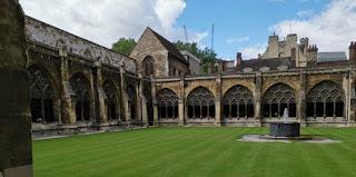 Claustro de la Abadía de Westminster.