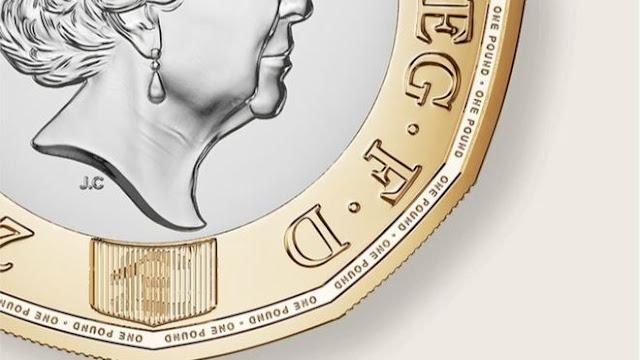 A nova moeda britânica de uma libra com os símbolos de Inglaterra, Escócia, País de Gales e Irlanda do Norte entrou em circulação nesta terça-feira (28/03)
