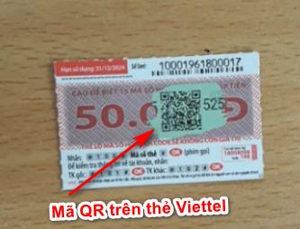 Quét mã trên thẻ cào Viettel.