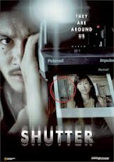 pelicula Están entre Nosotros (Shutter) (2004)