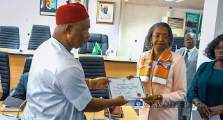 Hope Uzodinma Receives Certificate of Return (Photo)