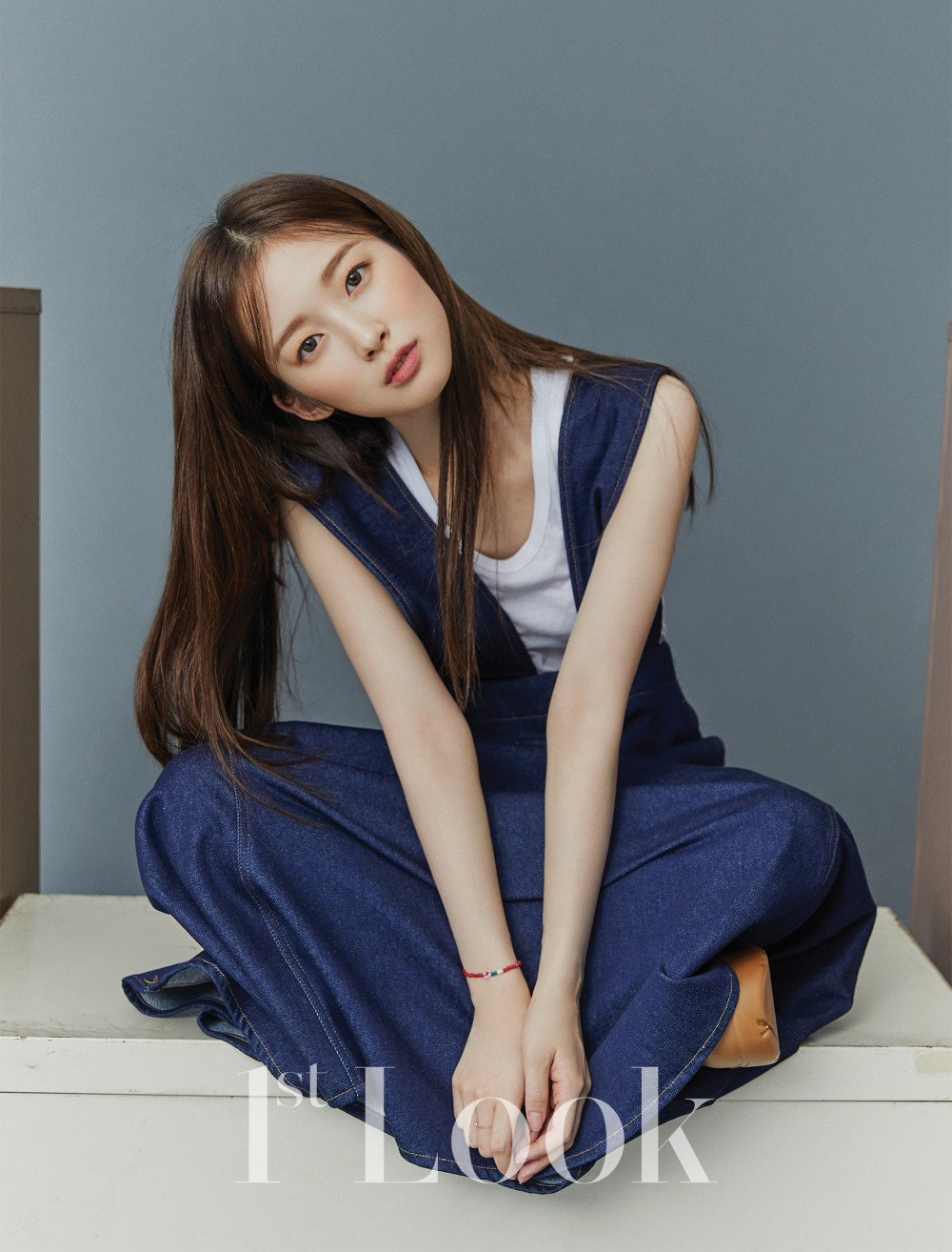Oh My Girl's Arin Shows Matured and Elegant Side for 1st Look Magazine Photo Shoot