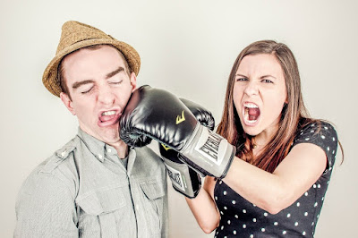 Mulher briga com sagitariano