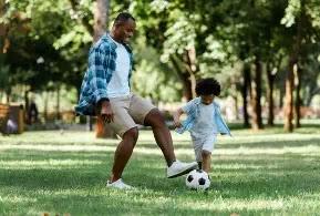 طرق لتعليم وتشجيع طفلك على اللعب بالخارج
