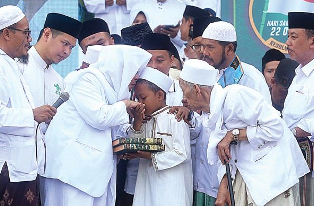Menyoal Pesantren Tertua di Indonesia