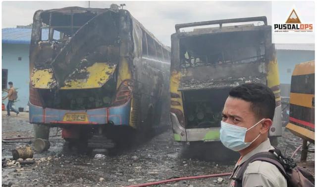 bus pinem terbakar di medan