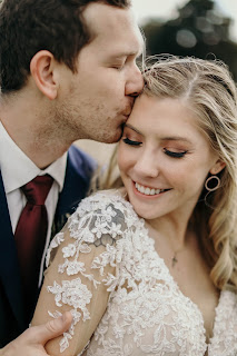Fiddlesticks bride and groom portrait
