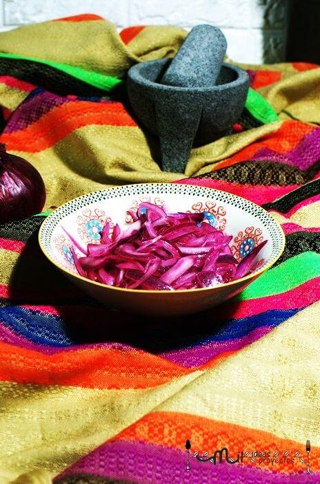 como preparar cebolla morada en encurtido