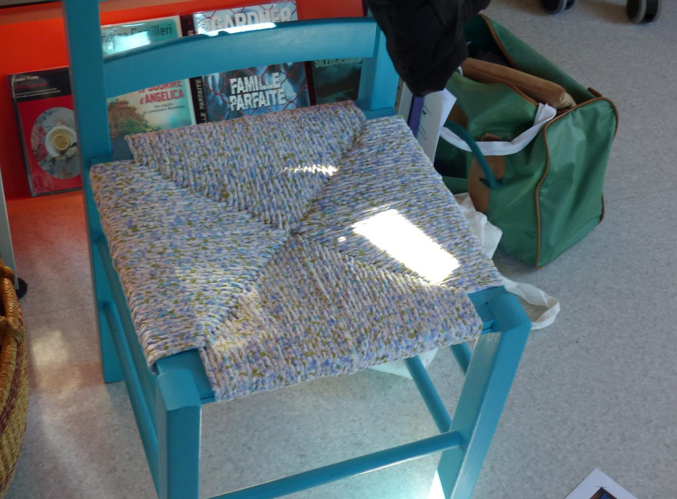 Loupiac infos 12700 rempaillage de chaise avec du tissu for Rempaillage de chaises