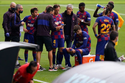 """Barca mất ngôi đầu: Lộ bằng chứng Messi & dàn SAO """"bật"""" HLV"""