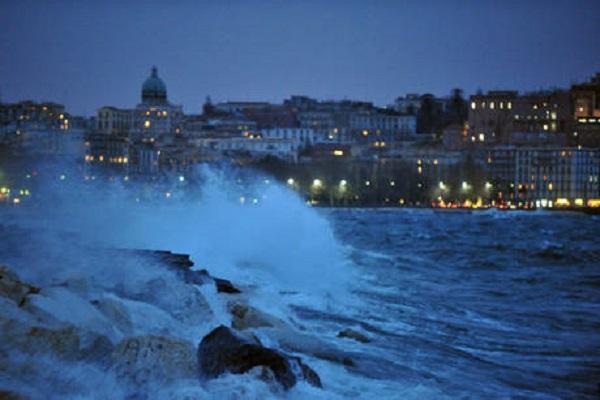 """3bmeteo: """"Stop all'anticiclone. Tornano piogge, temporali e vento sull'Italia"""""""